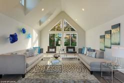 1_3231broadwayave_10001_livingroom_150